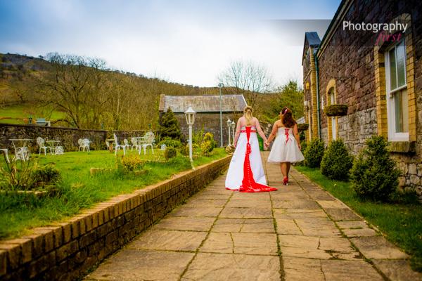 Craig Y Nos, South Wales Wedding (32)