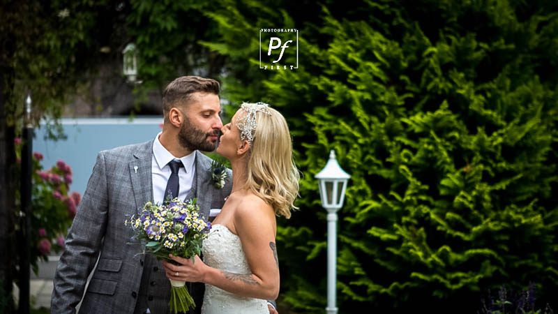 Wedding Photographer Craig Y Nos (31)